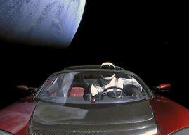 Astronom Melacak Mobil Elon Musk Menuju Orbit Mars