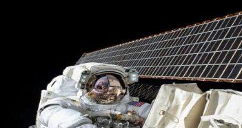 Astronot Asal Belanda Lakukan Panggilan Telepon ke Bumi